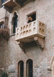 Júlia erkény
