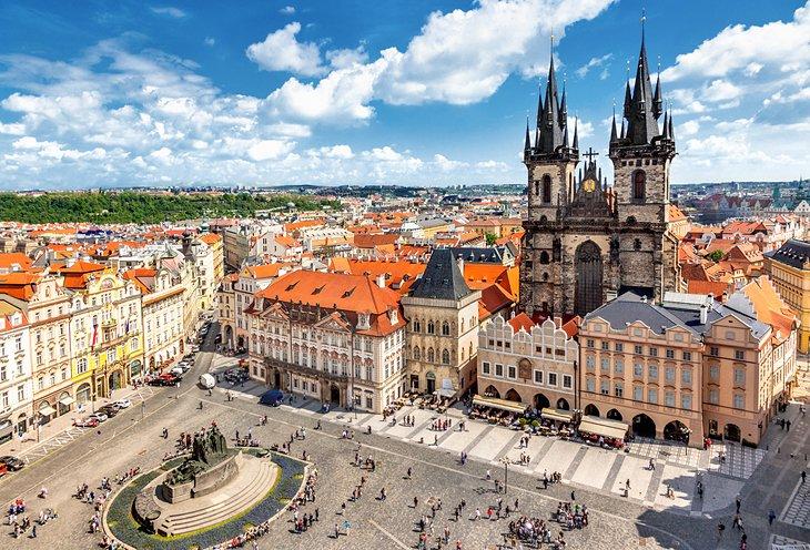 Prága-várak-Karlovy-Vary július (4 nap) Irányár: 59.900 Ft/fő